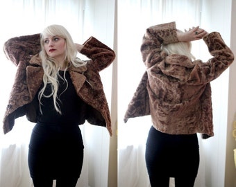 Vintage mountain lady light brown goat fur Brown toggle short jacket coat bohemain folk style