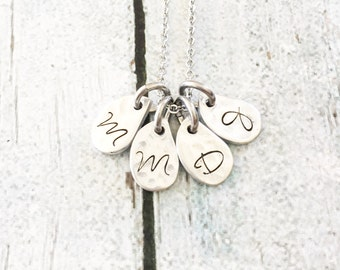 Initial necklace - Hand stamped necklace - Leaf necklace - Mommy jewelry - Hand stamped jewelry - Personalized necklace
