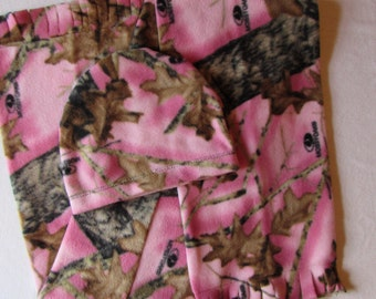Girls camoflauge fleece hat and scarf set size toddler,child, and adult