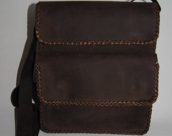Handcrafted leather unisex bag