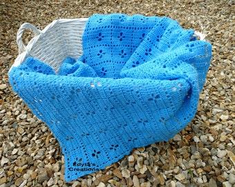 Crochet lightweight blanket
