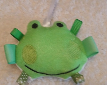 In The Hoop Frog Ribbon Tag Toy Machine Embroidery Design