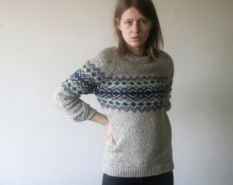 vintage light gray variegated with navy and green fair isle hipster sweater
