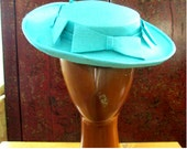 1950s Womens Madeline Stye Hat in Aqua Blue and with Four Decorative Bows; Size 20 Inches