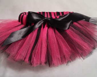 Hot Pink and Black Dog Tutu, Hot Pink Black Dog tutu, pink and black dog tutu, pink and black pet tutu, dog tulle tutu, pet tutu