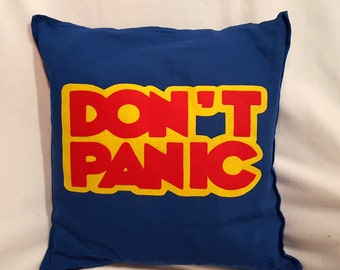 "Don't Panic pillow cover - Hitchhiker's Guide to the Galaxy - 20 x 20"" with zip, 100% cotton"