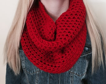Infinity Scarf, Thick Crochet Bulky Winter Scarf, Womens Scarf, Loop Scarf, Circle Scarf, Chunky Scarf, Red Neckwarmer, Christmas Scarf Gift