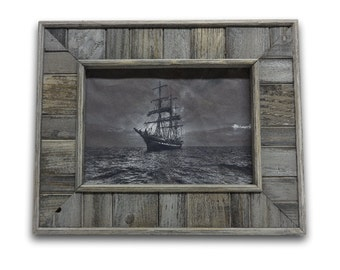 Barn Wood Picture Frame, Distressed Picture Frame, Gray Picture Frame, Handmade Rustic Wood Frame, Country Home Decor, 5x7 frame
