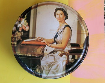 Vintage 1950's Royal Souvenir HRM  Biscuit Cake tin - Queen Elizabeth