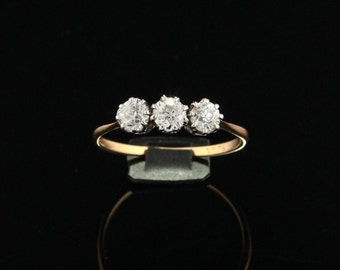 Late Art Deco 1.37 Ct diamond brilliant three stone trilogy ring