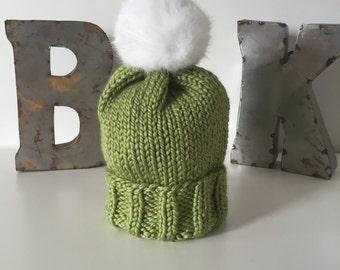Grass Wooly Hat w. Faux Fur POM POM