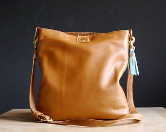 Saddle Tan Leather Tote Messenger Bag Cross body Handbag, Tan Leather Purse, Adjustable Strap Leather Messenger Bag, Saddle Tan Leather Tote