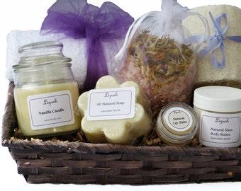 Lavender Bridesmaid gift set. Bath gift set. Spa gift. Spa basket. SPA Gift set. bath and body gift. Gift Set. Bridesmaids spa Gift - Lizush