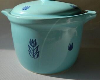 deep dish-casseroll - ceramic lidded pot