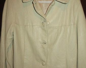 womens vintage leather coat.size M