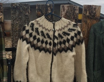 Vintage Wool sweater from Iceland.