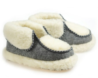SALE !!! Women's  Natural Leather, wool, SLIPPERS, shoes boots Very light and comfy! Good gift! Genuine