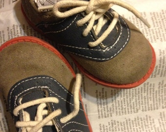Two-tone vintage oxfords, Dark Gary and Navy Blue,size 5 , faux Suede material