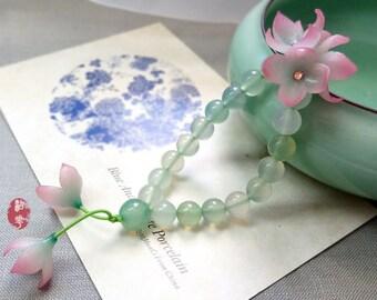 Transparent pink lilac flowers bracelet/natural green agate beaded bracelet/elastic bracelet/cold porcelain flower