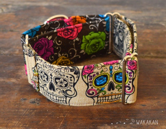 Martingale dog collar model Tattoo Addiction. Adjustable and handmade with 100% cotton fabric. Halloween Sugar Skull Wakakan