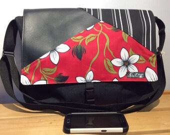 Big waterproof black messenger bag, ref flowers pattern,crossbody bag, computer bag, cabas bag, school bag, waterproof bag
