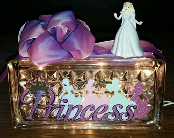 DISNEY PRINCESS Lighted Glass Block Nightlight and Decor.  Choose Cinderella, Aurora, Ariel, Belle, Snow White or Tiana.