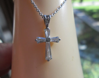 Vintage Estate 63.ctw White Topaz 925 Sterling Silver Cross Pendant and 17 Inch Chain, Weight 2.5 Grams