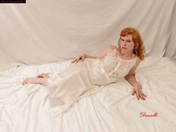 Beautiful Bridal Negligee White Satin And Lace Honeymoon