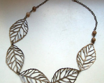 Statement necklace leaves bronze of Jasper
