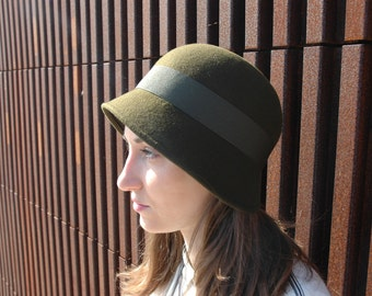 "The ""Flapper"" - Cloche Stlyle - 1920s slyle - Green felt - Autumn/Winter hat"