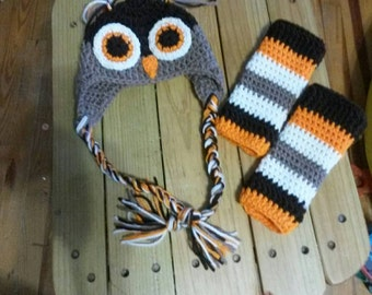 Owl earflap hat with legwarmers