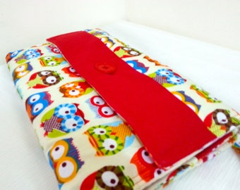 Coloirful Owls Changing Pad Travel Clutch