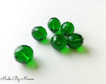Big Faceted Green Glass Beads, Dark Forest Green Round Glass Beads, 6 Beads, Destash Jewelry Supplies, 17mm Big Focal Beads, Translucent