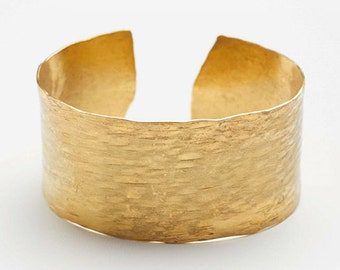 Textured brass bracelet, hammered bracelete, hammered brass bracelete, textured brass jewelery, hammered brass jewelery, hammered jewelry