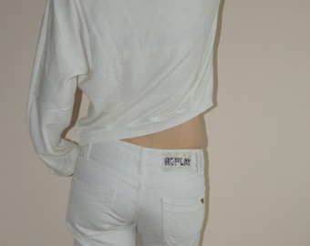 REPLAY white low waist 100% cotton capri jeans with glass beaded logo, size 27