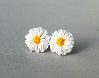 Daisy Flower Earrings - Handmade Flower Earrings - Fimo Jewellery - Gift for Her- Polymer Clay Jewelry- Daisy Earrings - Daisy Studs