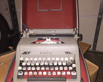 1950's antique royal typewrite with suitcase