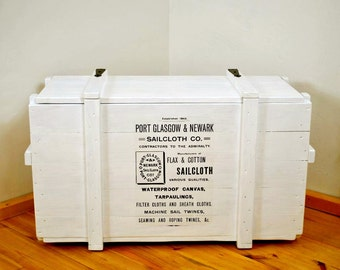 Maritime white end table > Sailor <   outdoor   vintage look   storage coffee table   side board   Captain's bench   ship crate   trunk