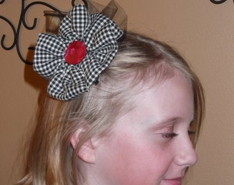 Black and white houndstooth hair clip
