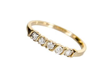 14k yellow gold ring with .15 ctw diamonds size 6 1/4