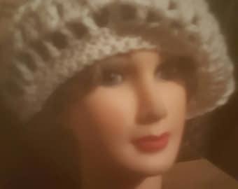 Warm & Stylish 1960s Handmade Crotchet Hat-White-O/S