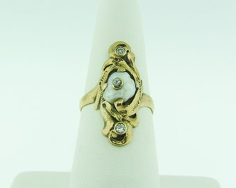 Antique 14 K gold ring with pearl and diamonds