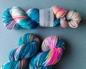 DK Ziggy, Hand dyed yarn Blue Faced Leicester supperwash 100g, BFL is a British breed.