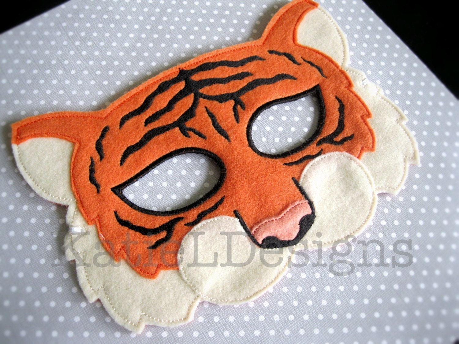 ITH Tiger Mask Machine Embroidery Design Pattern Download 5x7