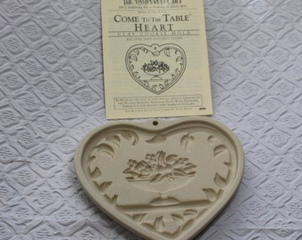 On Sale! The Pampered Chef Come to the Table Heart  Art Pottery Cookie Mold Paper Art 1999 Original box papers