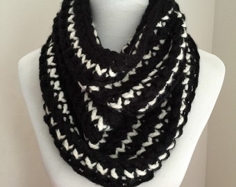 Black/white knitted infinity scarf. A perfect winter accessory.