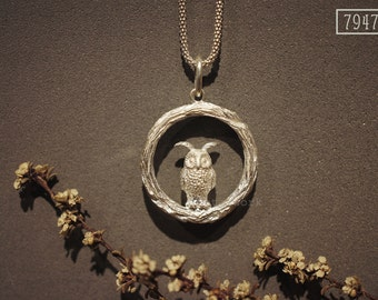 MW P1045 The 925 Silver Owl on the Twig Pendant