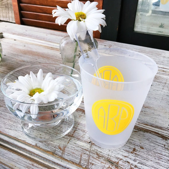monogram shatterproof cups, personalized cups, party cups, monogrammed frosted cups, wedding cup favors, circle monogram