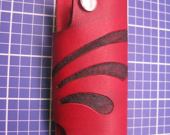 Elegant Keys Holder with Two Key posts. handcraft Veg-tanned leather Key case