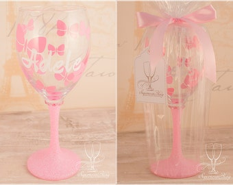 Butterflies with name- Personalised glitter wine glass